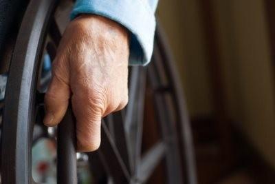 Пожилой инвалид может потребовать алименты с ребенка