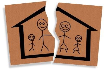 Часто, когда родители разводятся, в судебном порядке сразу устанавливаются алименты