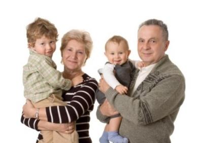 Государственные льготы семье могут быть назначены при опеке над детьми младше трех или в случае, если опекуны бабушка с дедушкой