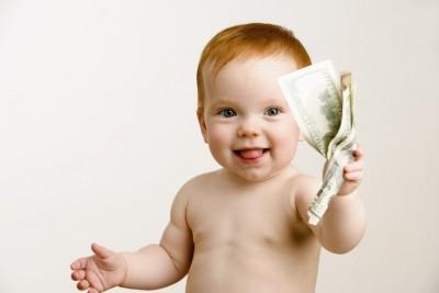 Каковы условия выплат на уход за ребенком для бабушек в декрете?