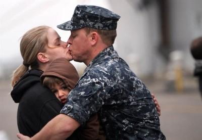Жене военнослужащего на сройчной службе полагается выплата пособия по уходу за ребенком до 3 лет