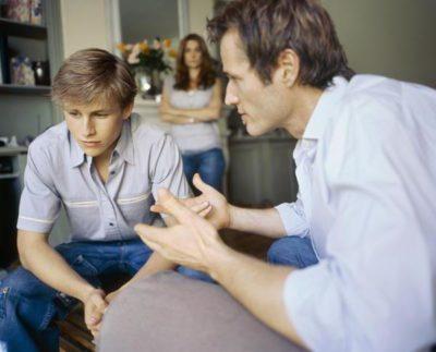 В каких случаях платят алименты после 18 лет в России: должны ли отец или мать платить, если ребёнок совершеннолетний, кто кому обязан выплачивать пособие, а также можно ли подавать на алименты после 18 лет?