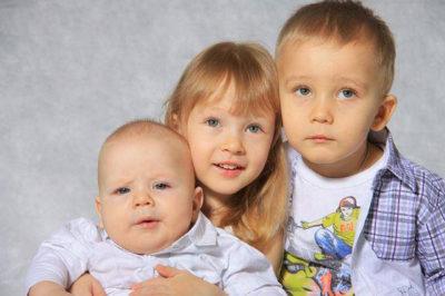 Алименты на троих детей от разных браков: как делятся начисления и их размер, а так же сколько процентов назначат на 3 ребенка от второго брака?