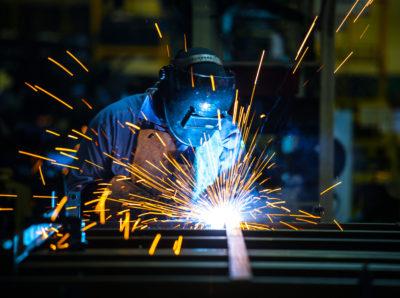 Электрогазосварщик имеет право на досрочную пенсию
